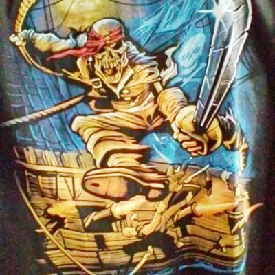 Tee shirt pirate